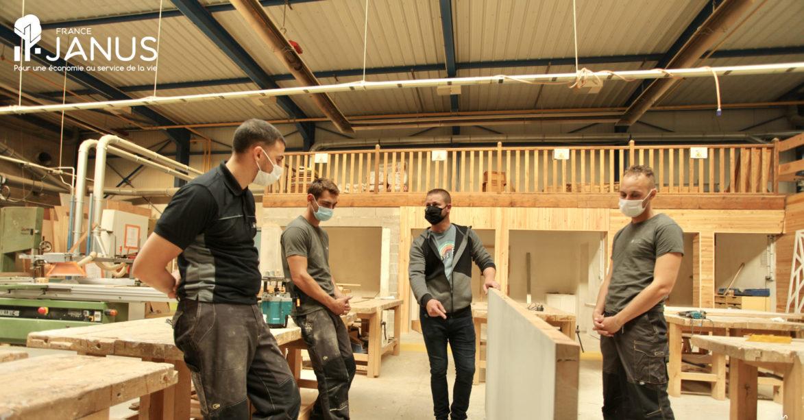 Nos compagnons dans l'atelier de menuiserie à Rieux dans l'Oise